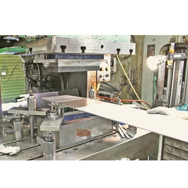 大量生産、連続生産可能なプレス加工のイメージ画像