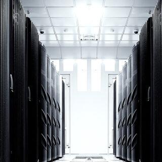 最新鋭のクラウド対応型データセンターから小規模利用の事業会社向けデータセンタースペースまで提供のイメージ画像